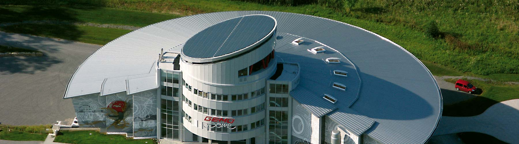 Projekt der Bauflaschnerei Smejkal - Doppelstehfalzdach - Gemü Dome